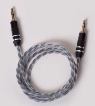 AUX CABLE GLOW IN THE DARK BLACK