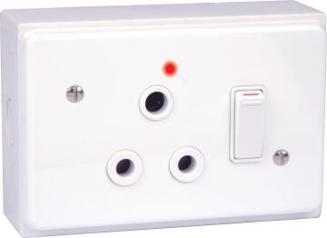 Wall mounted socket 50x100mm 1x3pin LESCO