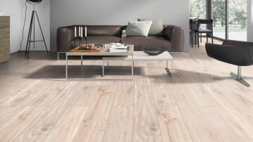 Laminated Flooring Oak Caucasus 1286x194x7mm (2.245m2/box)