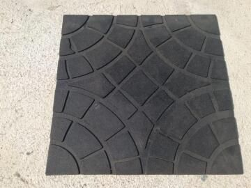 STEPPING STONE SQUARE RUBBER 46 cm x 46 cm