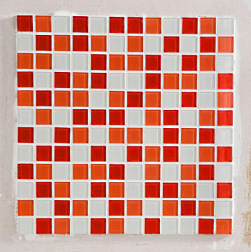 Mosaic Glass Shaker Red ARTENS 30x30cm
